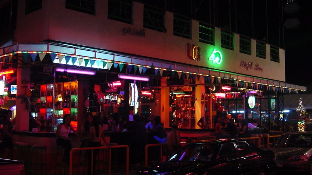 phuket photos nightlife patong bar