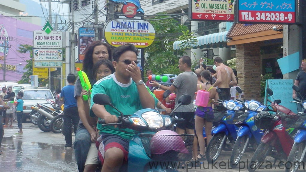 phuket photos daylife festivals songkran festival