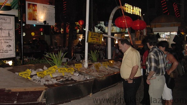 phuket photos nightlife patong beach road