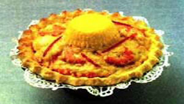 Shrimp curry in pie shell